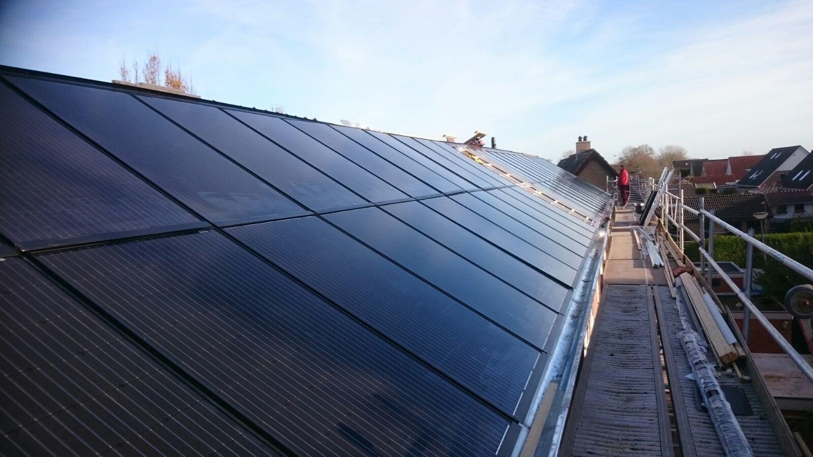 indak-zonnepanelen-goningen-scx-solar
